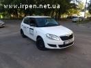 Водитель в такси на авто компании 50/50